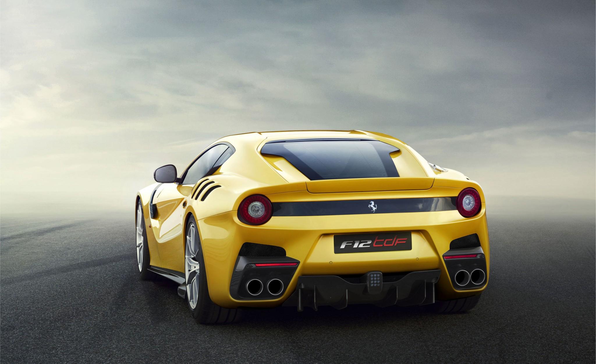 2015 Ferrari F12 TdF