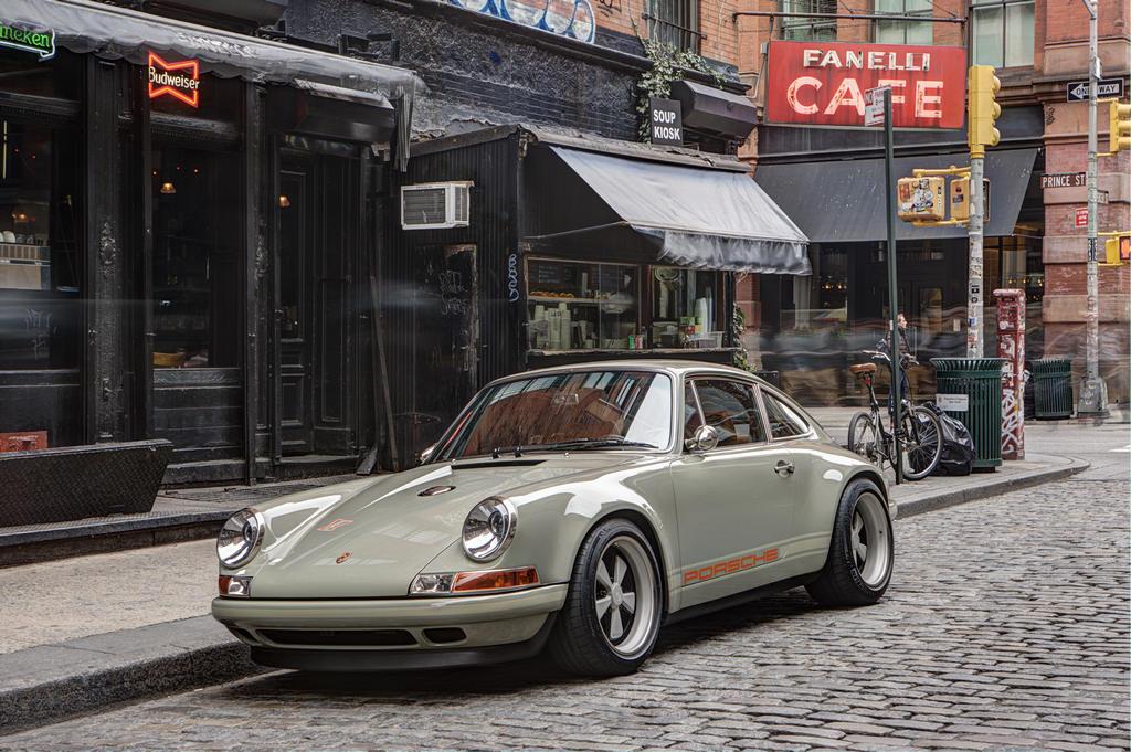2013 Porsche 911 by Singer